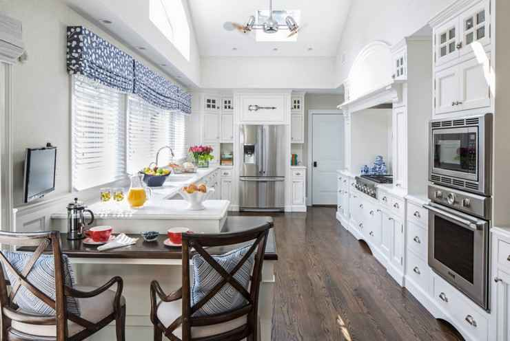Как выбрать красивые шторы на кухню: нюансы оформления