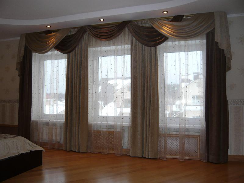 Модные шторы в интерьере гостиной