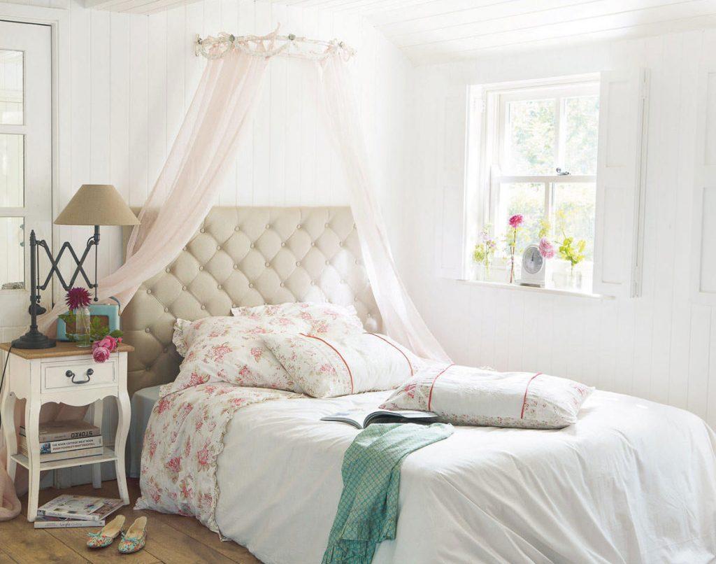 Текстиль в спальне стиля прованс