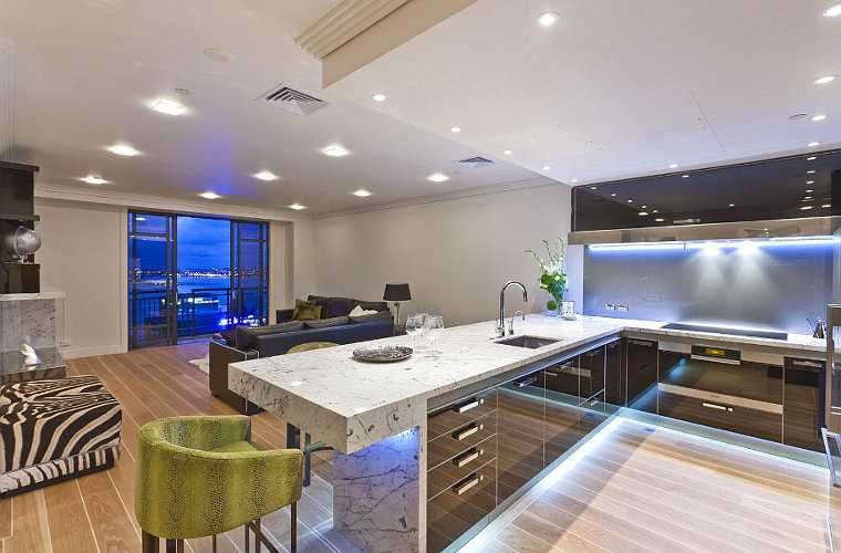 Современный стиль хай-тек для гостиной или кухни